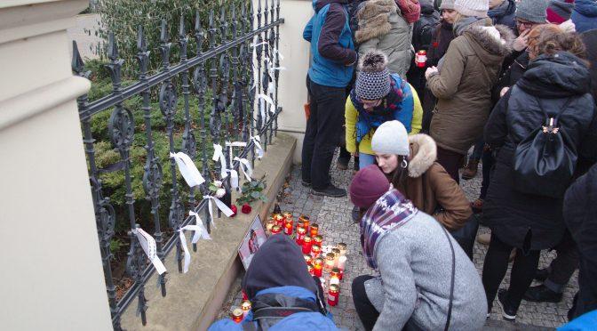 Spomienka na zavraždeného novinára a jeho partnerku - Praha 2. 3. 2018 Veľvyslanectvo Slovenskej republiky